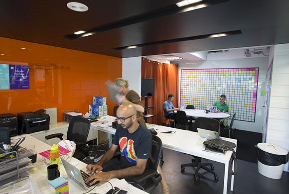 workplace_HyperIsland_main_1